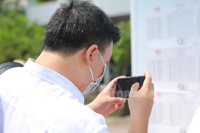 Thí sinh trúng tuyển ĐH Quốc gia sẽ nhập học trực tuyến từ 21 - 30/9 - Ảnh 1.