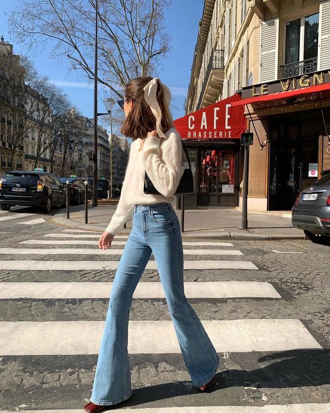 Gái Pháp ghiền jeans: Dù không cao nhưng luôn chọn đúng dáng quần hack chân dài thẳng tắp, sắm đủ 3 màu mặc 4 mùa không chán - Ảnh 3.