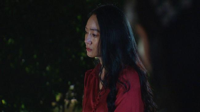 Hương vị tình thân: Thành viên ê kíp trả lời vì sao bà Xuân nhảy cầu ban đêm, về nhà ban ngày - Ảnh 1.