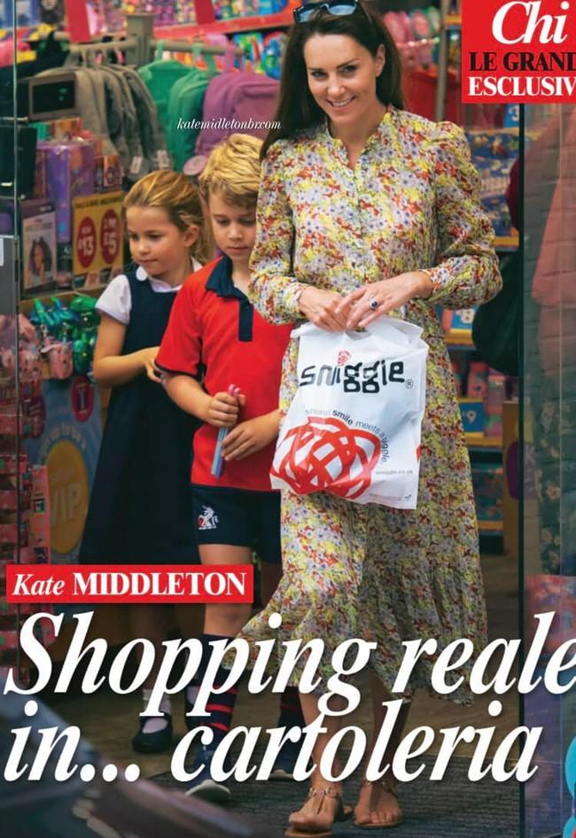 """Công nương Kate lộ diện sau 60 ngày """"mất hút"""", đưa 2 con đi mua sắm với loạt cử chỉ tinh tế - Ảnh 2."""