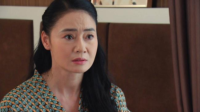 Hương vị tình thân: Bà Xuân tím mặt khi bị Thy cãi nhem nhẻm, còn hàm ý Huy là loại bất tài vô dụng - Ảnh 4.
