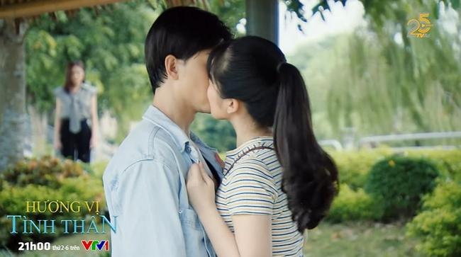 Hương vị tình thân: Long ghen khi vợ mặc quá đẹp ra đường, trà xanh chính thức nói yêu Huy - Ảnh 3.