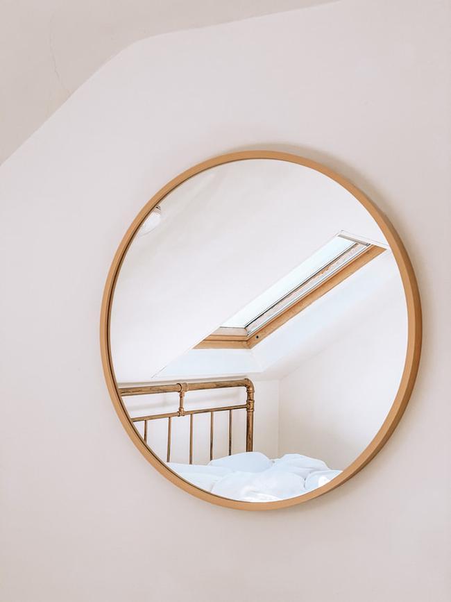 Đừng đặt gương ở những vị trí này trong nhà của bạn, tài lộc lẫn sức khỏe đều sẽ sụt giảm - Ảnh 3.