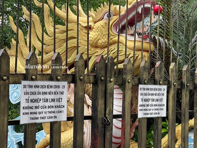 Xôn xao hình ảnh nhà thờ Tổ của Hoài Linh đóng cửa im lìm trong ngày giỗ Tổ nghề? - Ảnh 5.