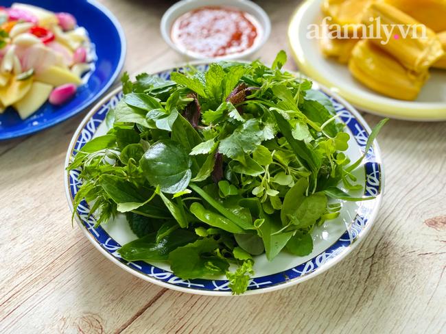 Mâm cơm cuối tuần mùa giãn cách chỉ 4 món nấu chỉ 30 phút nhưng đảm bảo ai ăn cũng thích! - Ảnh 10.
