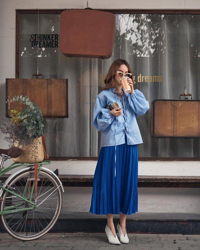 Chị em Yến Trang - Yến Nhi gợi ý 12 cách diện chân váy dài giúp trẻ ra 5 tuổi, mà vẫn chuẩn sang xịn mịn - Ảnh 4.