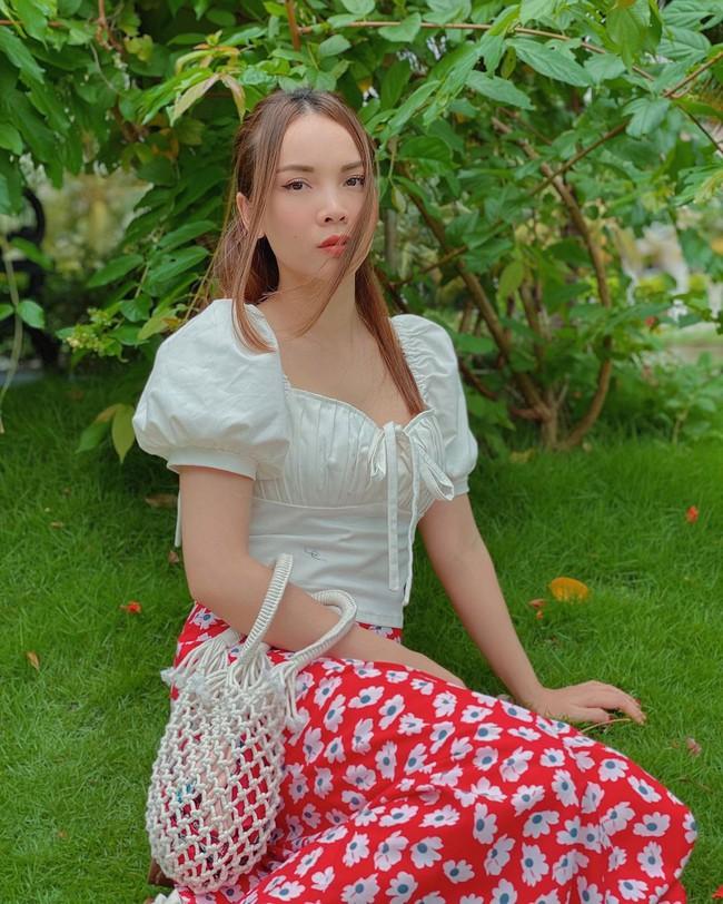 Chị em Yến Trang - Yến Nhi gợi ý 12 cách diện chân váy dài giúp trẻ ra 5 tuổi, mà vẫn chuẩn sang xịn mịn - Ảnh 9.