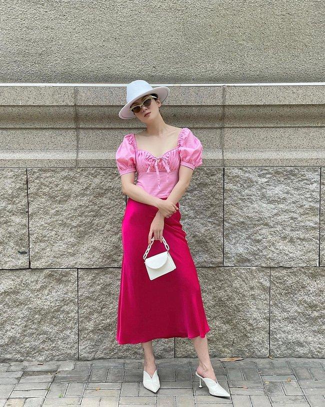 Chị em Yến Trang - Yến Nhi gợi ý 12 cách diện chân váy dài giúp trẻ ra 5 tuổi, mà vẫn chuẩn sang xịn mịn - Ảnh 12.