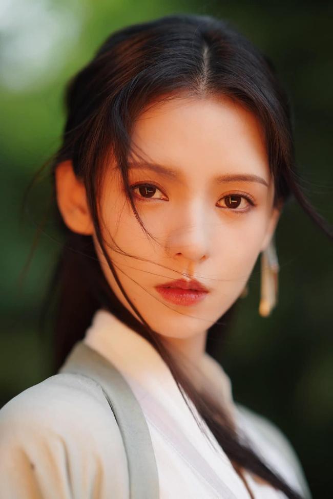 Dữ Quân Ca: Trương Dư Hi tung MV cổ trang đẹp mê mẩn, tạo hình xinh hơn cả lúc đóng Lưu ly mỹ nhân sát - Ảnh 6.