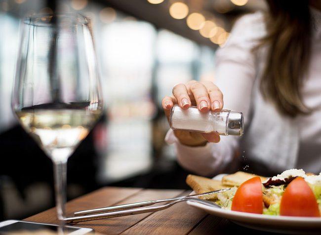 Có 6 thói quen ăn uống này thì hệ miễn dịch của bạn đang dần bị phá hủy, muốn phòng bệnh mùa dịch COVID-19 thì từ bỏ ngay - Ảnh 10.