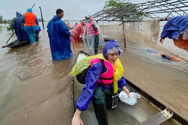 Mẹ Hồ Ngọc Hà chính thức lên tiếng khi bị nhắc tên trong lùm xùm từ thiện của Trấn Thành - Ảnh 2.