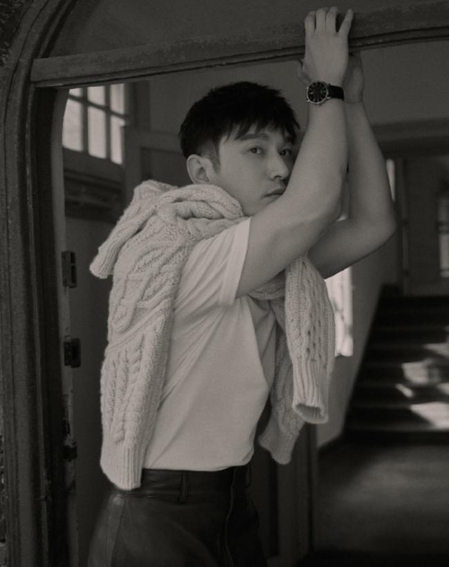 """Huỳnh Hiểu Minh lần đầu lộ diện sau khi có động thái """"nghỉ chơi"""" Triệu Vy vì sợ liên lụy - Ảnh 2."""