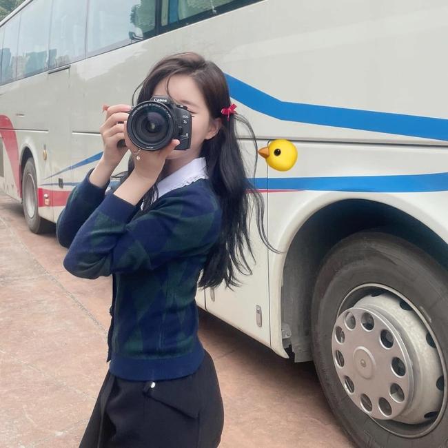 Ngô Lỗi lộ ảnh cưỡi ngựa cực ngầu, Triệu Lộ Tư lại đăng ảnh xinh đẹp thế nào mà netizen réo gọi - Ảnh 6.