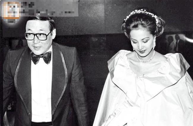 """Chồng có 3 nhân tình, bị tiểu tam đe dọa, chính thất mỉm cười chấp nhận suốt 43 năm, ai ngờ đó là """"ván cờ"""" cực cao tay giúp bà ẵm trọn gia sản 24 nghìn tỷ! - Ảnh 2."""