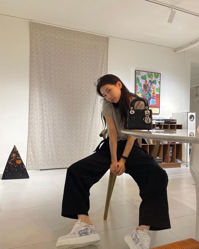 Suzy bao năm chỉ trung thành với style tối giản, nhờ vậy mà luôn ghi điểm phong cách - Ảnh 5.