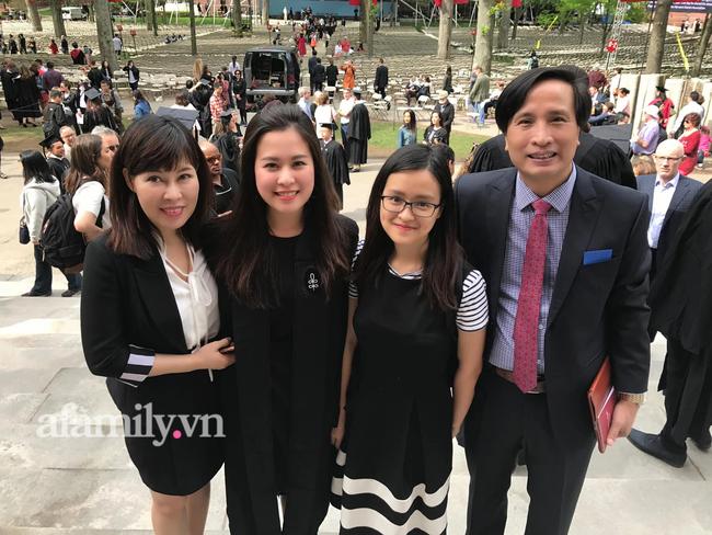 Mẹ Hà Nội nuôi 2 con gái đỗ Đại học Harvard danh tiếng chia sẻ 4 điều quan trọng khi dạy con: Nghe điều cuối mà nể phục! - Ảnh 1.