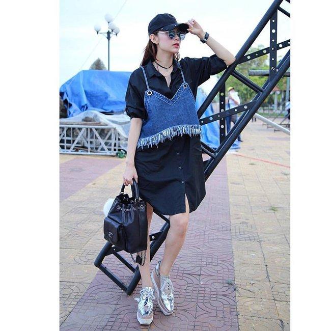 Ngọc Trinh nhìn hiền khô với tóc mái mưa, Phạm Hương giản dị đi mua sắm ở chợ quê - Ảnh 14.