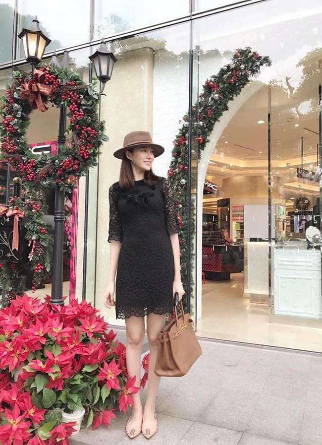 Ngọc Trinh nhìn hiền khô với tóc mái mưa, Phạm Hương giản dị đi mua sắm ở chợ quê - Ảnh 15.