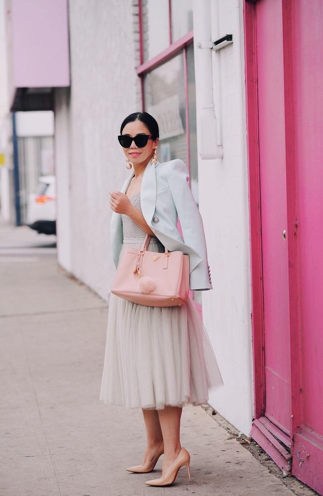 Street style đầy màu sắc mùa lễ hội của các quý cô Châu Á - Ảnh 7.