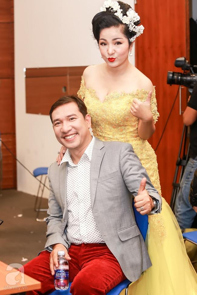 MC Thanh Bạch xuất hiện tươi tỉnh bên vợ mới sau khi bị vợ cũ tố vũ phu - Ảnh 15.