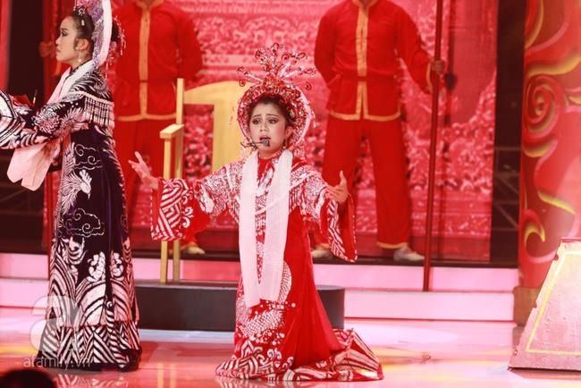 Khiến Hoài Linh thán phục, cô bé 7 tuổi trở thành Quán quân Gương mặt thân quen nhí - Ảnh 7.