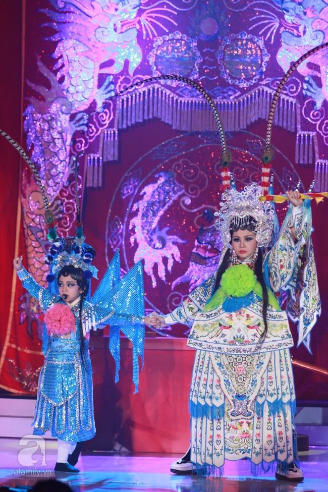 Khiến Hoài Linh thán phục, cô bé 7 tuổi trở thành Quán quân Gương mặt thân quen nhí - Ảnh 3.