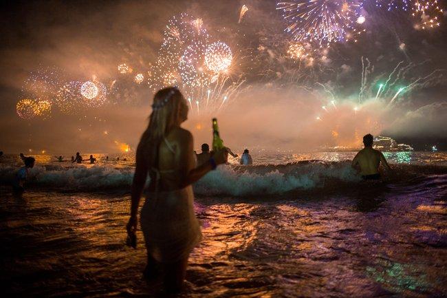8 phong tục đón năm mới thú vị trên thế giới - Ảnh 8.