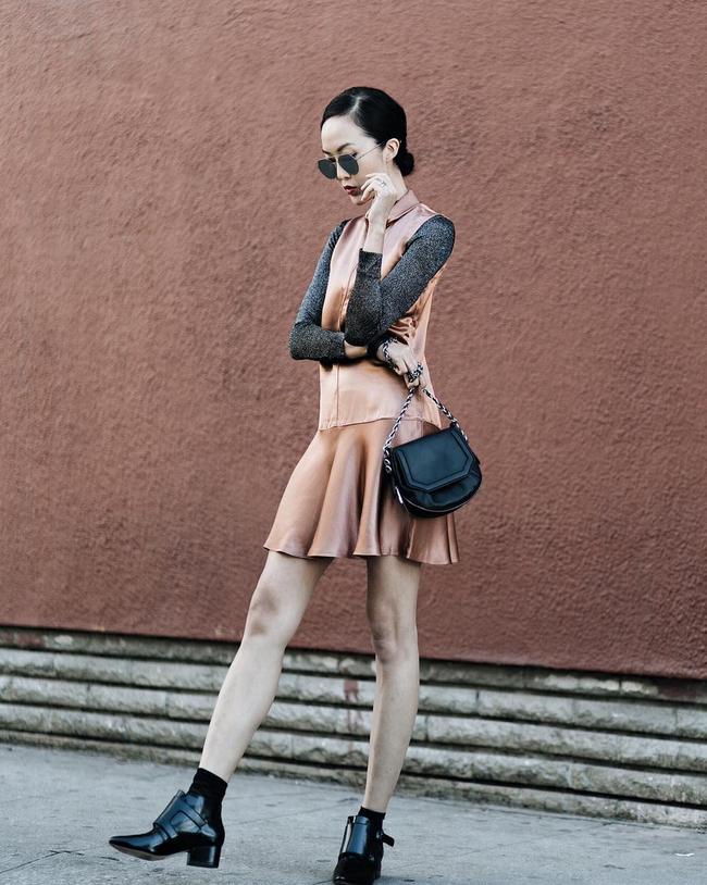 Street style đầy màu sắc mùa lễ hội của các quý cô Châu Á - Ảnh 12.