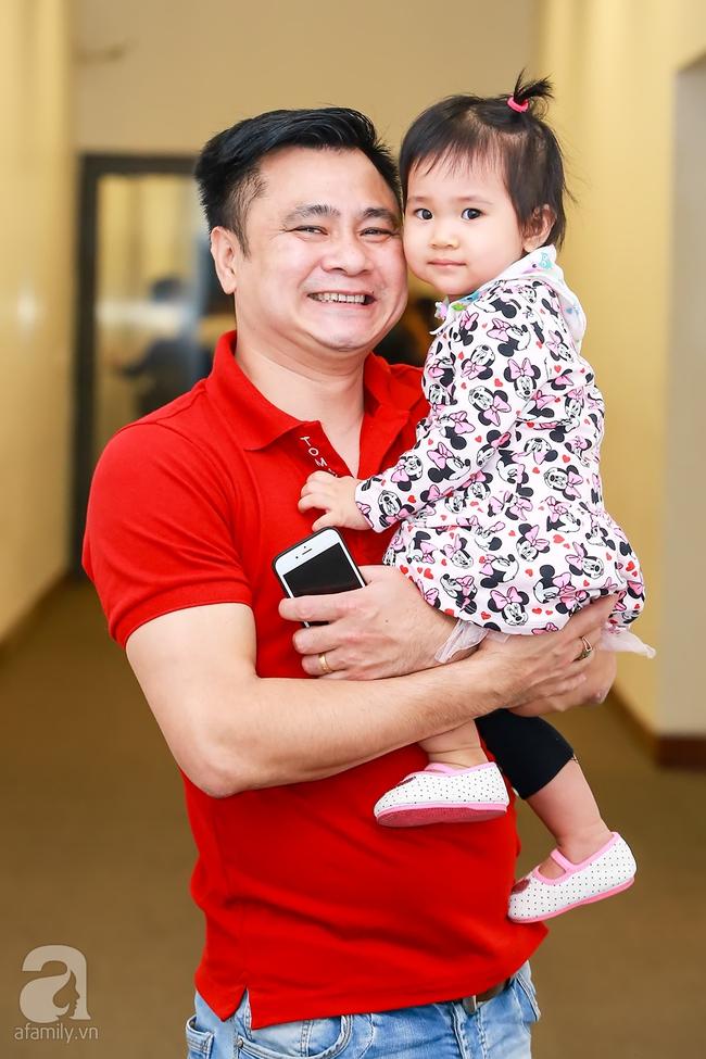 MC Thanh Bạch xuất hiện tươi tỉnh bên vợ mới sau khi bị vợ cũ tố vũ phu - Ảnh 7.