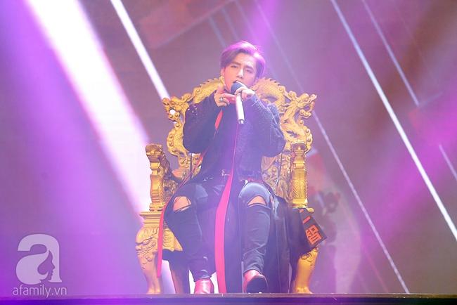 Sơn Tùng M-TP xuất hiện như ông hoàng trước 3.000 khán giả - Ảnh 5.