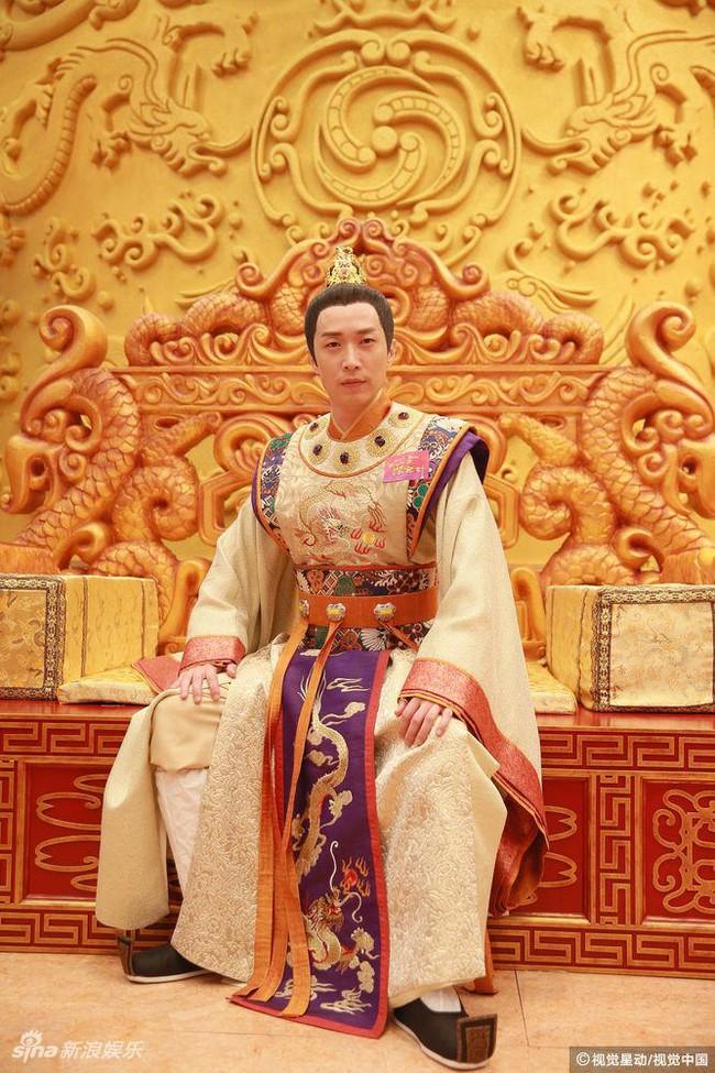 Cung tâm kế 2 rục rịch lên sóng, dàn mỹ nữ TVB bỗng chốc loè loẹt thế này - Ảnh 1.