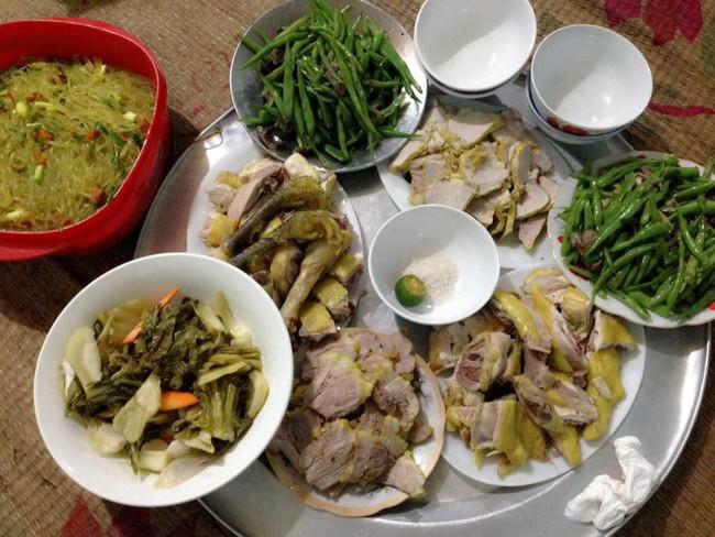 Sốt xình xịch trào lưu khoe mâm cơm ăn gì nấu gì của chị em dịp cận Tết - Ảnh 6.