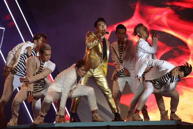 Đông Nhi khiến fan phát cuồng khi tình tứ hát cùng Ông Cao Thắng - Ảnh 7.
