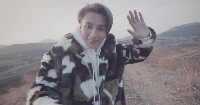 Sau Lạc trôi, Sơn Tùng lại khiến fan ngẩn ngơ khi tung MV mới như phim Hàn - Ảnh 2.