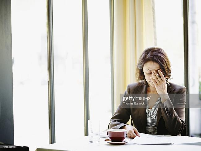 8 rắc rối về sức khỏe các mẹ vừa đi làm vừa chăm con dễ mắc phải nhất - Ảnh 4.