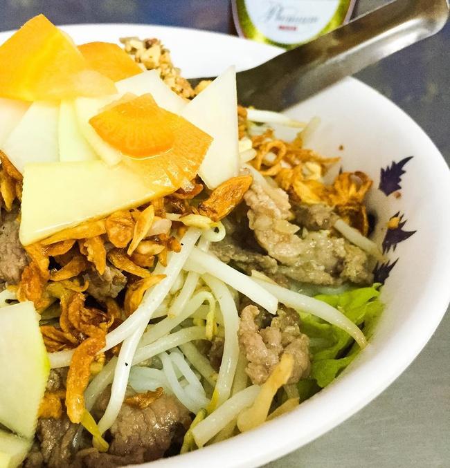 Bán món bình dân, nhưng giá cả của 5 quán ăn Hà Nội này sẽ khiến nhiều người bất ngờ khi lần đầu ghé đến - Ảnh 12.