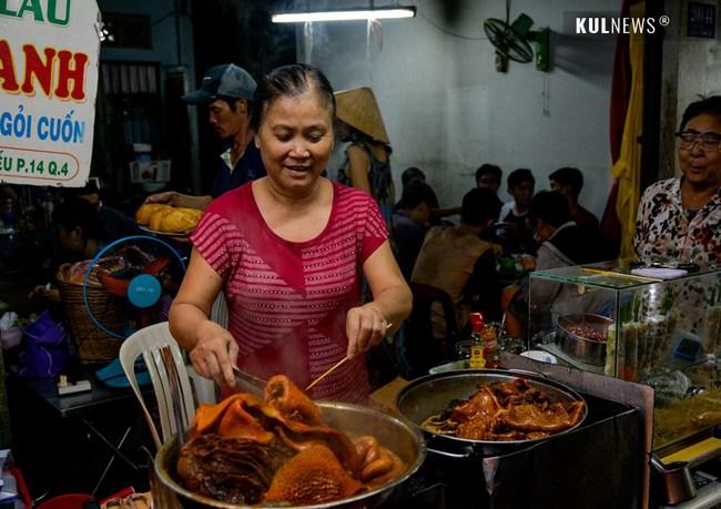 4 con hẻm ẩm thực cứ mỗi bước là có một món ăn ngon tại Sài Gòn - Ảnh 15.