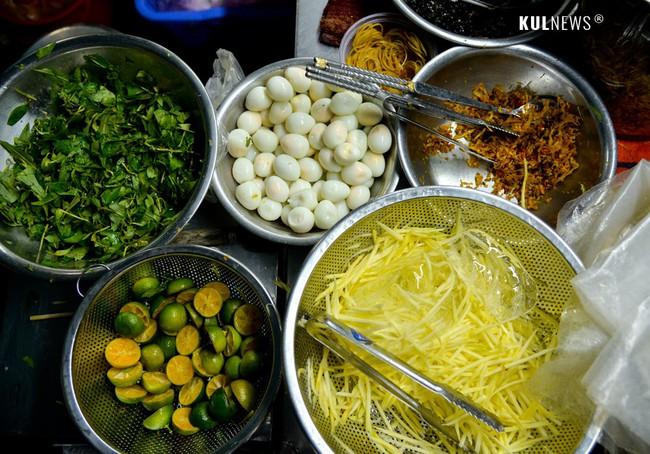 4 con hẻm ẩm thực cứ mỗi bước là có một món ăn ngon tại Sài Gòn - Ảnh 13.
