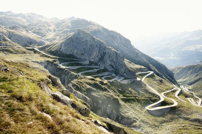 Những con đường chỉ nhìn thôi cũng đủ thót tim chứ đừng nói đi qua - Ảnh 12.