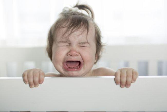 Giải mã tiếng khóc của trẻ và 9 cách để dỗ trẻ nín khóc trong vòng một nốt nhạc - Ảnh 2.
