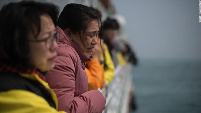 Đẫm nước mắt bức thư của chàng trai gửi người bạn gái thiệt mạng trong thảm kịch chìm phà Sewol - Ảnh 1.