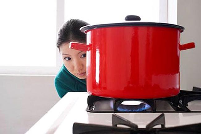 Không muốn nhà cháy trụi thì dùng bếp gas phải thuộc lòng 8 nguyên tắc sống còn - Ảnh 3.
