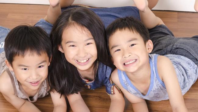 Nếu muốn con luôn hạnh phúc, cha mẹ hãy thực hiện 5 bước sau - Ảnh 3.