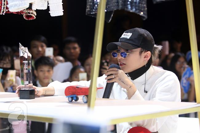 Sơn Tùng M-TP gọi điện tâm sự cùng mẹ trước hàng trăm fan - Ảnh 6.
