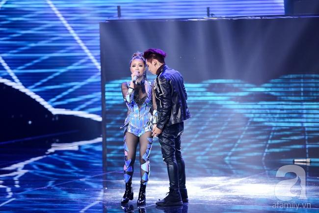 Hôn nhau trên sân khấu, Tronie - MiA loại bạn thân Tóc Tiên khỏi The Remix - Ảnh 19.