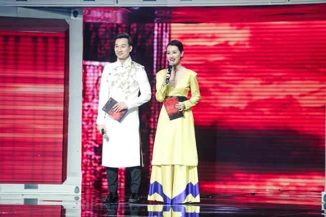 Nhảy múa tưng bừng, Đông Nhi vẫn không cứu được học trò bị loại khỏi The Remix - Ảnh 1.