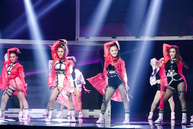 Nhảy múa tưng bừng, Đông Nhi vẫn không cứu được học trò bị loại khỏi The Remix - Ảnh 24.