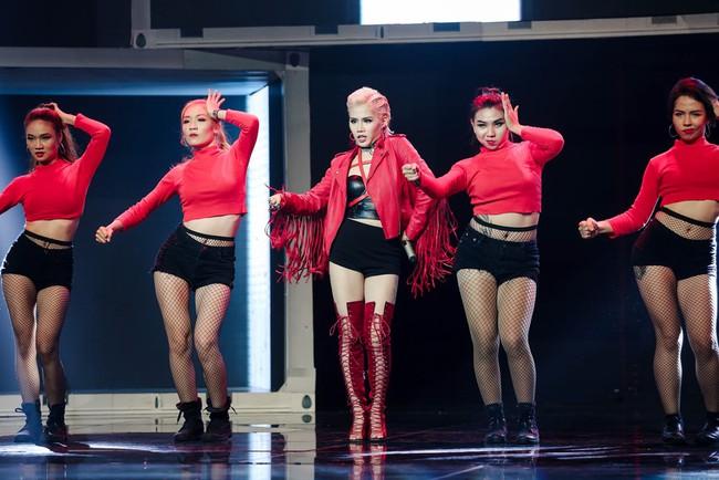 Nhảy múa tưng bừng, Đông Nhi vẫn không cứu được học trò bị loại khỏi The Remix - Ảnh 10.
