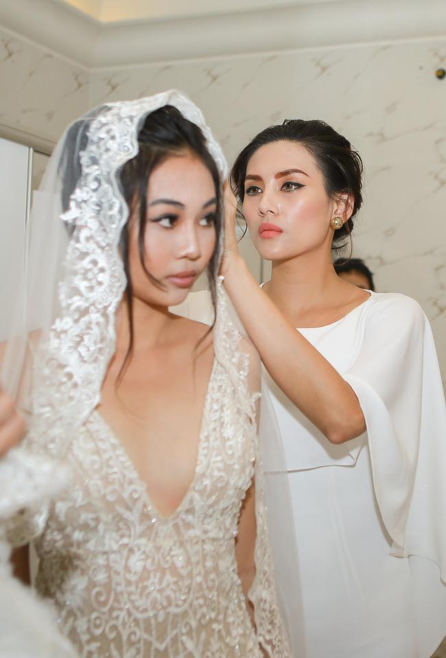 Bị đồn là HLV The Face 2017, siêu mẫu Võ Hoàng Yến trả lời lấp lửng - Ảnh 4.