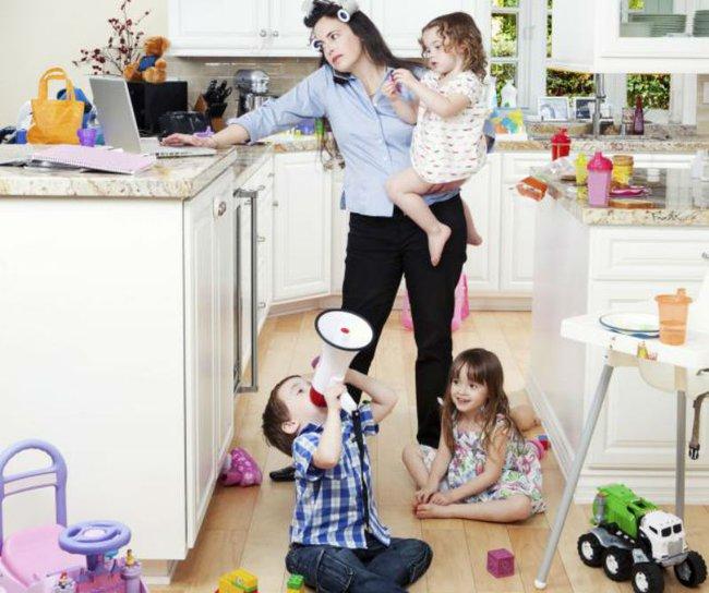"""Bà mẹ ở nhà chăm con """"đáng giá"""" bao nhiêu? Câu trả lời khiến bạn thêm nể phục các mẹ - Ảnh 1."""
